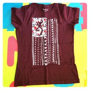 Small maroon browning T-shirt